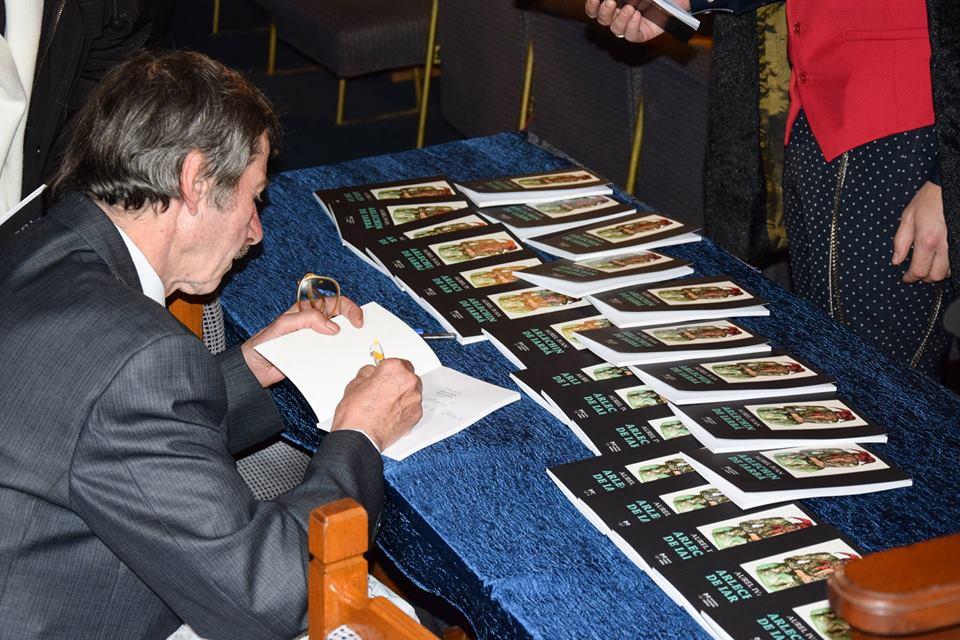 aurel-ivan-la-autografe