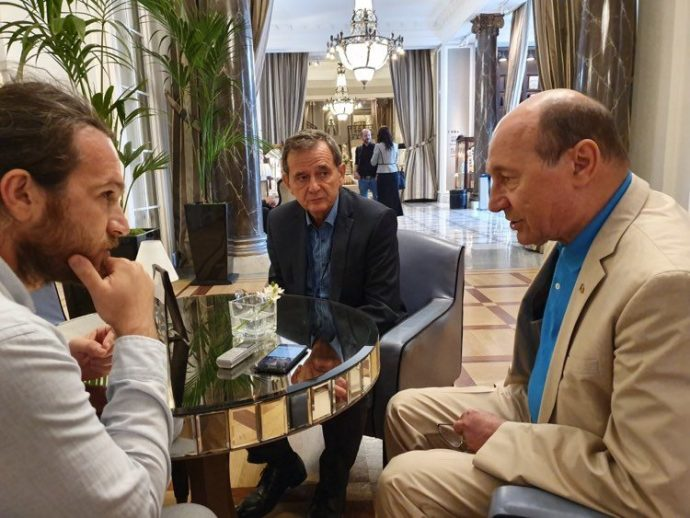 Cu Traian Basescu si cu europarmalentarul PNL Jean Marinescu, anul trecut, la San Sebastian