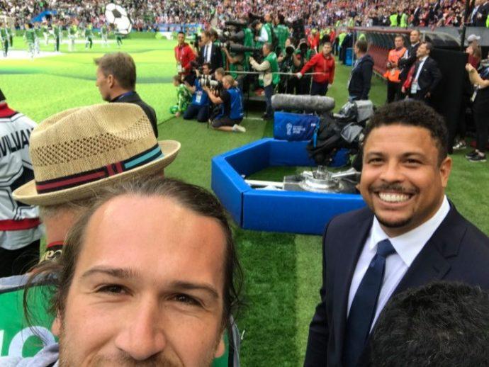 Cu fotbalistul Ronaldo la campionatul mondial de fotbal