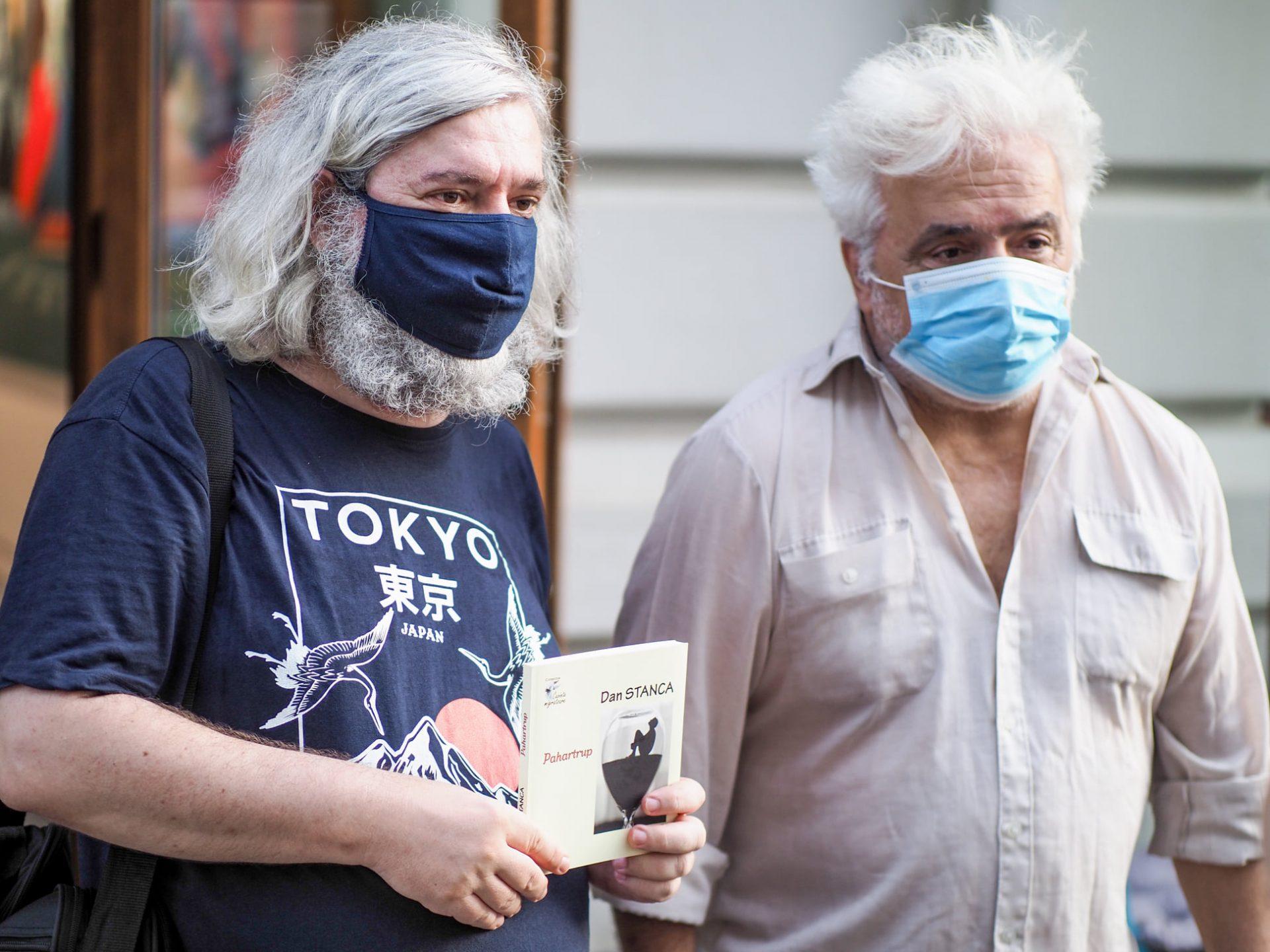 Doinel Tronaru, alături de unul dintre scriitorii săi preferați, romancierul Dan Stanca